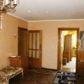Рядом с ленинградским шоссе продается трехкомнатная квартира