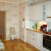 Большая кухня 16 кв.м. на Бачуринской 22к2. Большая квартира со свежим ремонтом.