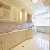 На Комсомольском проспекте продается элитка на 3 комнаты, дом № 32