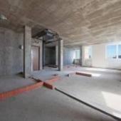 Продается 3-х комнатная свободной планировки. Можно переделать в 4-х комнатную. Адрес: Комсомольский пр-т, дом № 32.