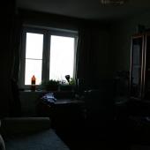 неудачная фотография 2 комнаты без вспышки