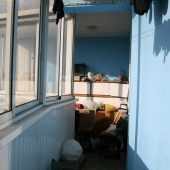 А это уже вид от 4 комнаты, выйдя на лоджию, в сторону 3-ей