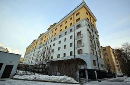 Реконструированный дом, где продается 4-к квартира на Ефремова 14