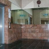 Вот такие там лифты