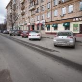 Проезжая часть вдоль кафе по дублеру Ломоносовского