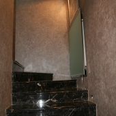 Лестница из мрамора наверх