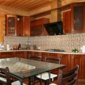 Кухня хорошего качества в доме в Боровиках