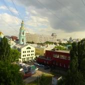 Вид на Елоховскую церковь из окна