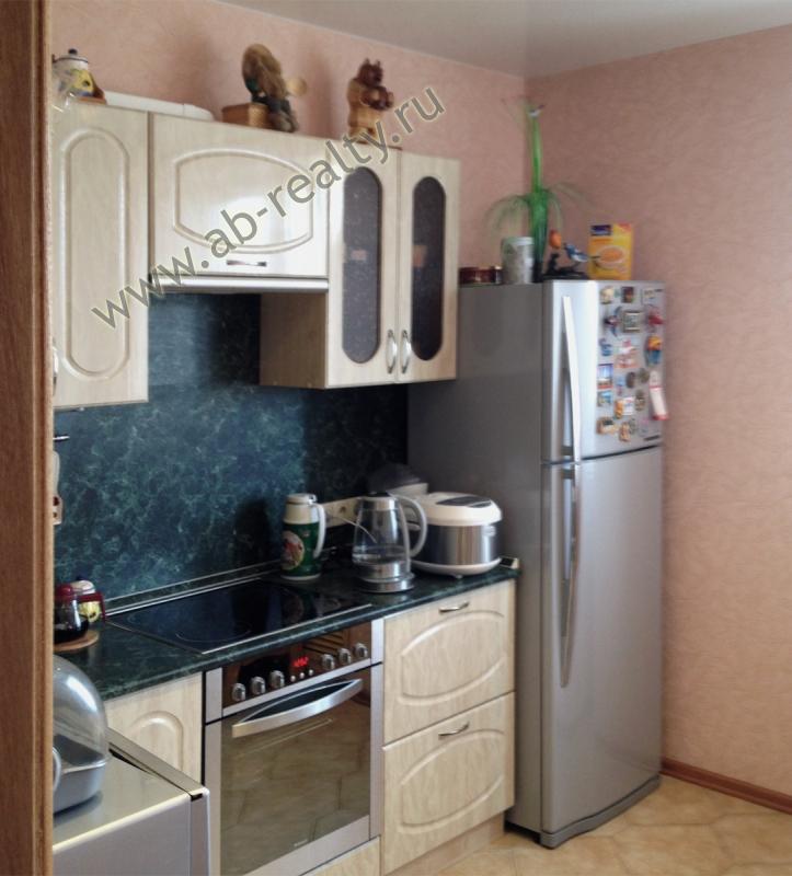 Вот такая симпатичная кухня в трехкомнатной квартире в Подольске