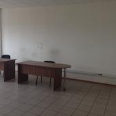 Есть офисная мебель