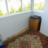 Это просторная лоджия 5 кв.м.