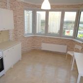 Очень чистая и уютная кухня