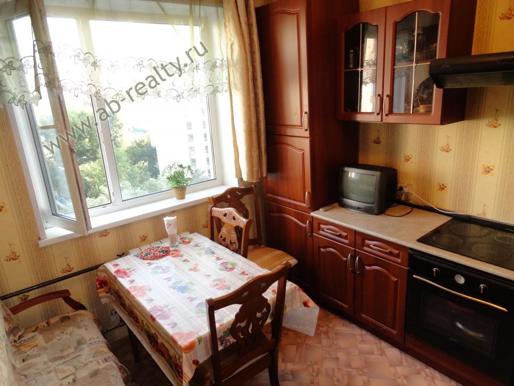 Кухня в этой квартире на Ленинском пр-те