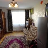 Вот в этой комнате тоже есть холодильник, 17 кв. м.