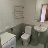 Ванная комната с отдельным унитазом