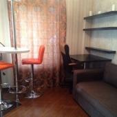 Часть кухни и второй комнаты на ул. Молдавской, дом № 8