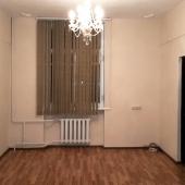 Другая комната пустая в этой квартире