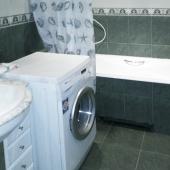 Стиральная машина, ванна и умывальник, конечно, присутствуют в санузле!