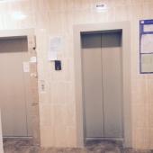 Фото перед лифтами