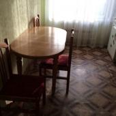 Столик обеденный на троих