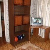 Угол со шкафом и телевизором