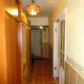 Далее общий коридор между комнатами