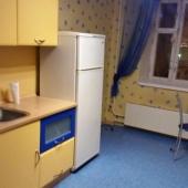 Также на Авиационной есть на кухне стол, ТВ и холодильник!