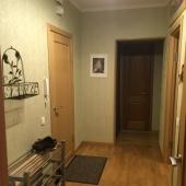 Прихожая в двухкомн. квартире на Миклухо-Маклае 22