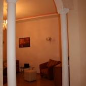 Арка, отделяющая большую комнату и коридор
