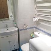 Еще одна фотография ванной комнаты на Авиационной 65к3
