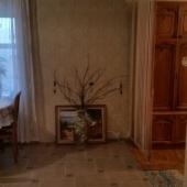 Это фотография части кухни и прохода в комнату из прихожей. Находится квартира, которая сдается за 35 тыс. в месяц на Тёплом Стане.