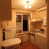 Кухня на ул. И. Франко вполне себе приличная, порядка 8 метров