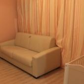 Вот сам диван в жилой комнате, которая по площади 18 м2