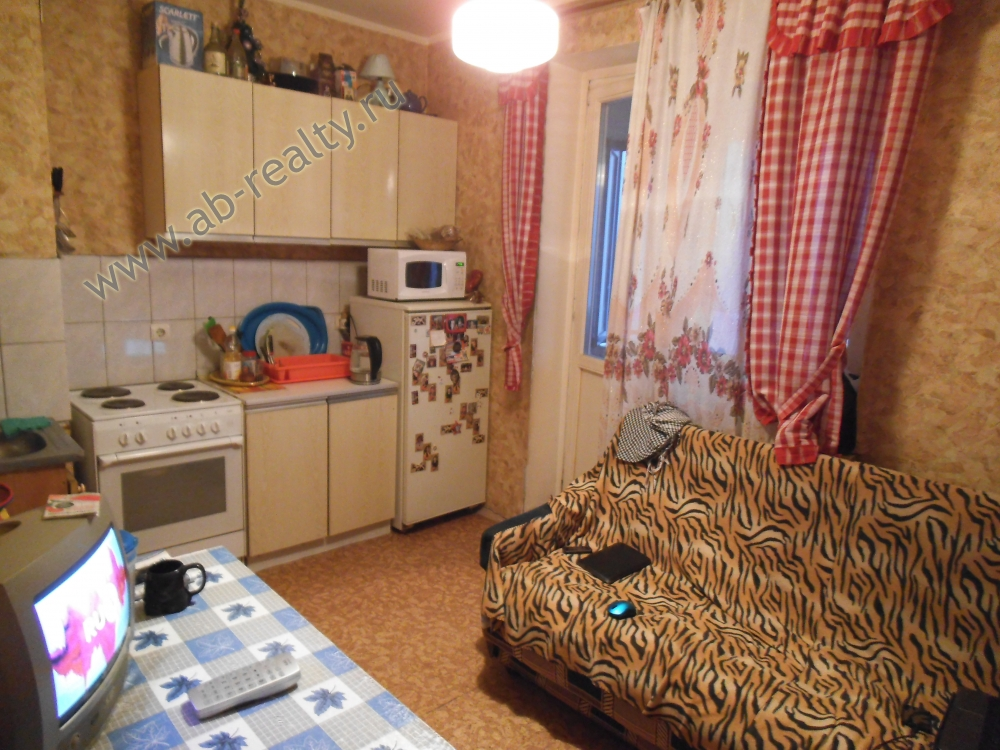 По ул. Новаторов, 3-к квартира, д.4к.3