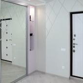Шкаф-купе и входная дверь