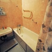 Это ванная комната. Напоминаем, вы смотрите квартиру в аренду на ул. Обручева, д. 6