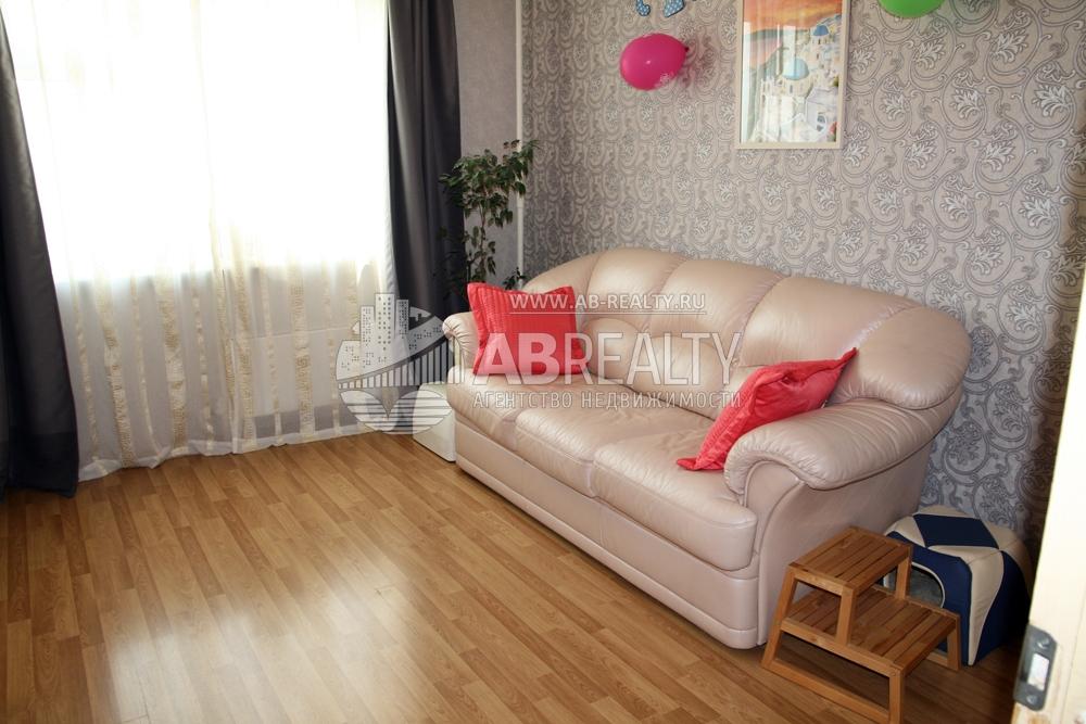 Гостиная комната на ул. Беловежской 41
