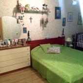 Кровать и комод - мебель остается