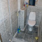 Под конец осмотра туалет - есть некоторые, правда, недоделки..