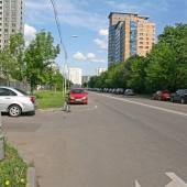 Тропаревская улица, направление в сторону П. Вернадского и церкви Арх. Михаила