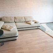Там большой раскладной диван - двое точно поместятся, а может и больше