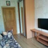 Шкаф, ТВ и 2 спальных места