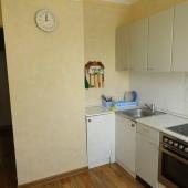 На кухне за год обновили полы - теперь положили ламинат