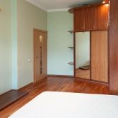 Комната эта по площади 14,9 метров