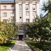 Фотография подъезда дома на Кутузовском пр-те, д. 33