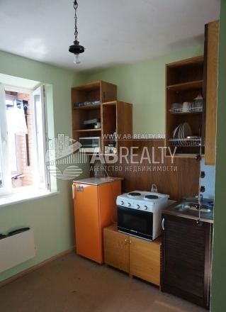 Это кухня в этом доме, ее площадь 9 с половиной метров