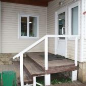 Крыльцо дома в Железнодорожном