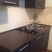 Это кухня на первом этаже в квартире дома 12 на Панфёрова