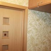 Это дверь в комнату на Новоясеневском проспекте 19к1