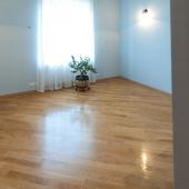 Это четвертая комната-спальня. Но она пустая сейчас.
